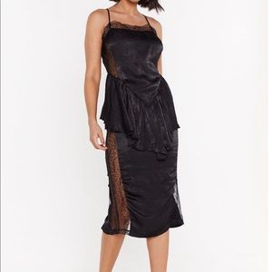 Nasty Gal smooth things over with Lace dress